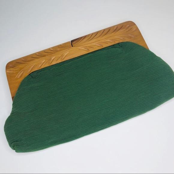 Vintage Handbags - Vintage Fabric Clutch Carved Wooden Handle
